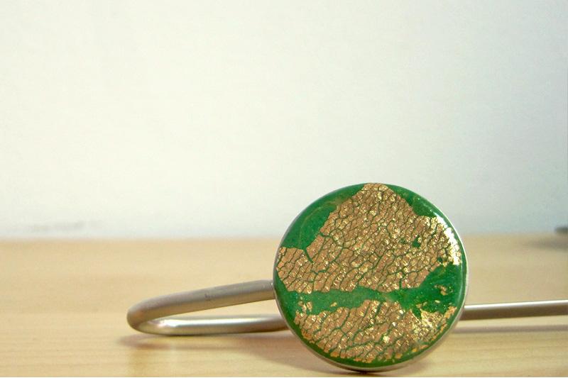 marcapáginas verde y oro